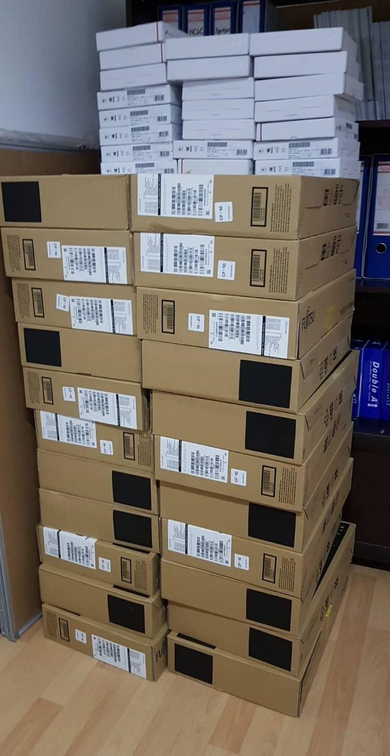 Ambasada Amerikane dhe INL dhuron donacion 22 lloptop për